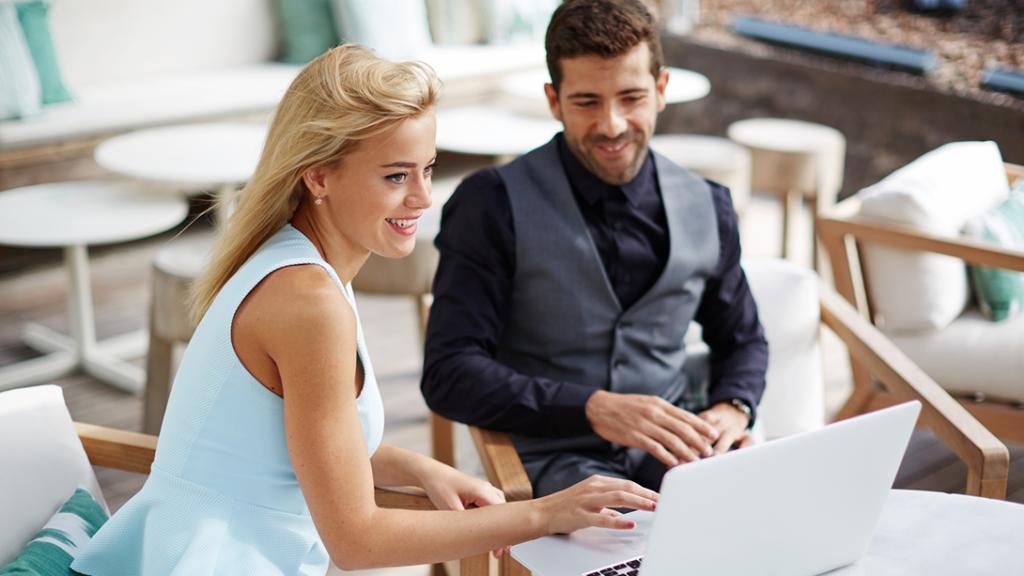 Como Trabalhar Online - Pessoas elegantes que tiveram sucesso